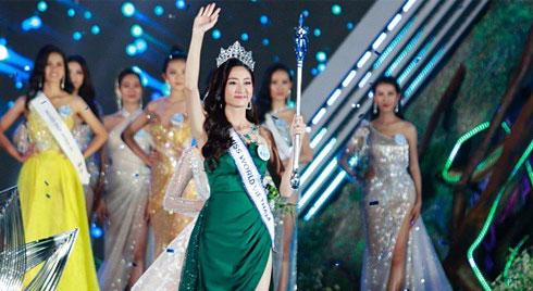 Mỹ nhân 10x, IELTS 7.5 Lương Thùy Linh chính thức đăng quang Hoa Hậu Thế Giới Việt Nam 2019