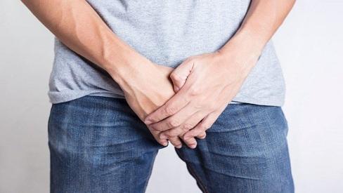 Nguyên nhân khiến nam giới bị sa tinh hoàn và cách điều trị