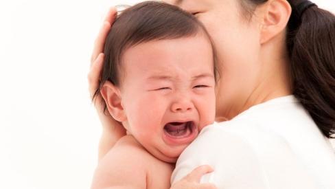 Mẹo dân gian giúp trẻ nhỏ khỏi ngay khóc dạ đề