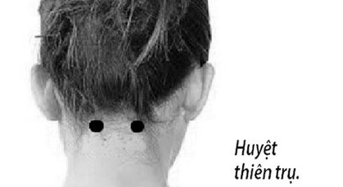 Xoa bóp bấm huyệt phòng chữa đau cổ gáy
