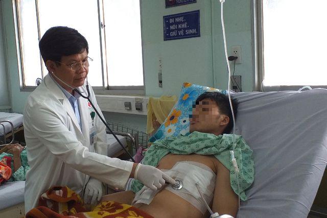 Sốc: Bệnh nhân 19 tuổi bị... tăm đâm xuyên gan, thủng tim-2