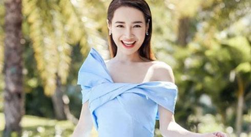 """Mẹ một con nào như Nhã Phương, diện một chiếc váy cũng đủ khiến fan """"đứ đừ"""" vì quá đẹp!"""