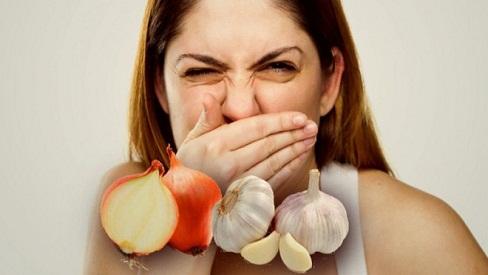 Bí quyết đánh bay mùi hôi miệng sau khi ăn tỏi