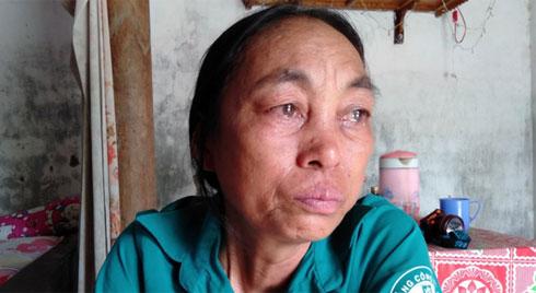 """Lời khẩn cầu của người mẹ ung thư mong chữa bệnh cho con trai suy thận: """"Nếu phải chết, tôi xin được chết thay con"""""""