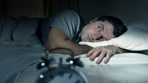 Nguyên nhân khiến nam giới bị mất ngủ và cách khắc phục