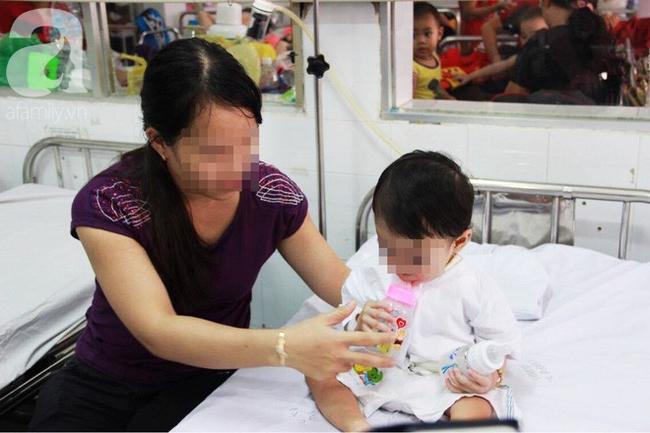 TP.HCM: Bé gái 40 ngày tuổi ngưng tim, ngưng thở nguy kịch vì sặc sữa khi đang bú mẹ-3