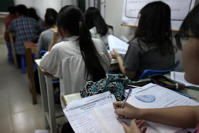 Hà Nội cấm giáo viên đưa học sinh ra học thêm ở trung tâm do mình dạy-1