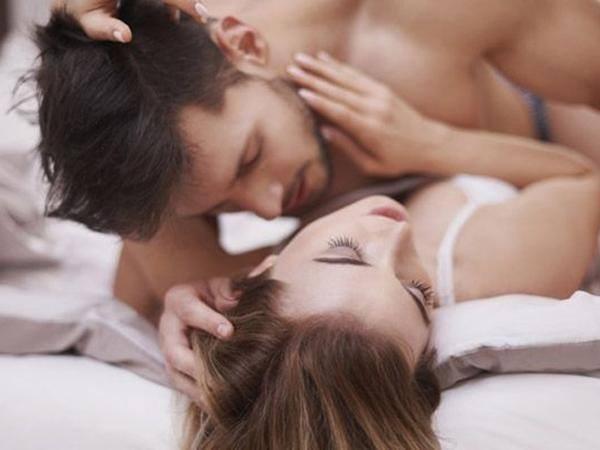 """Những dấu hiệu cho thấy vợ chồng bạn không hòa hợp về chuyện ấy""""-1"""