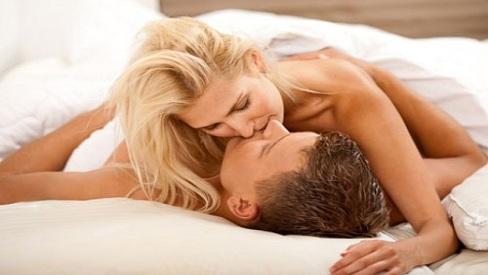 6 hành động của vợ mỗi tối sẽ làm chồng không muốn ngoại tình