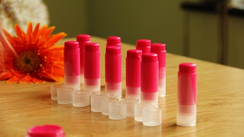 Chia sẻ công thức tự làm son môi tại nhà đơn giản - an toàn