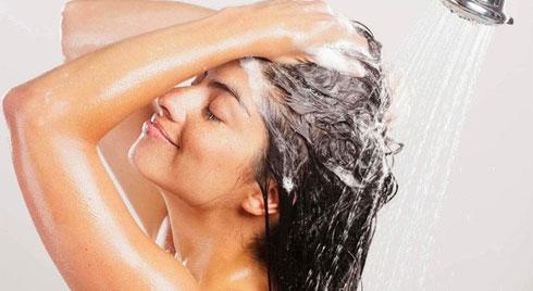 Gội đầu đúng cách giúp mọc tóc nhanh, khỏe và bồng bềnh