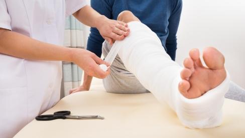 Người bị gãy xương nên ăn và kiêng ăn gì để xương nhanh phục hồi