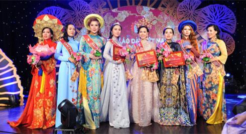 Trương An Xinh đăng quang 'Người mẫu đại sứ áo dài 2019'