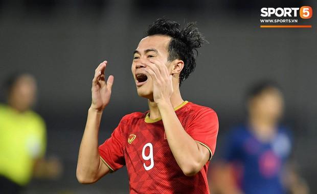 Câu nói khiêm tốn của BLV Quang Huy chiếm sóng MXH khi đội nhà cầm hòa tuyển Thái Lan ở trận mở màn vòng loại World Cup-1