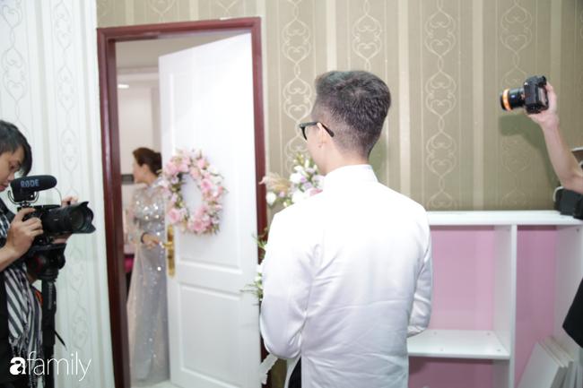 Toàn cảnh lễ đưa dâu bằng dàn siêu xe hơn 100 tỷ của con gái đại gia Minh Nhựa, quà cưới toàn vàng, kim cương đeo đỏ tay-5