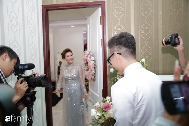 Toàn cảnh lễ đưa dâu bằng dàn siêu xe hơn 100 tỷ của con gái đại gia Minh Nhựa, quà cưới toàn vàng, kim cương đeo đỏ tay-6