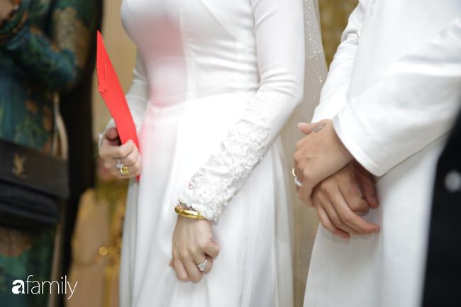 Toàn cảnh lễ đưa dâu bằng dàn siêu xe hơn 100 tỷ của con gái đại gia Minh Nhựa, quà cưới toàn vàng, kim cương đeo đỏ tay-25