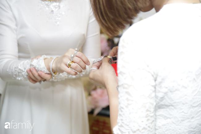 Toàn cảnh lễ đưa dâu bằng dàn siêu xe hơn 100 tỷ của con gái đại gia Minh Nhựa, quà cưới toàn vàng, kim cương đeo đỏ tay-20