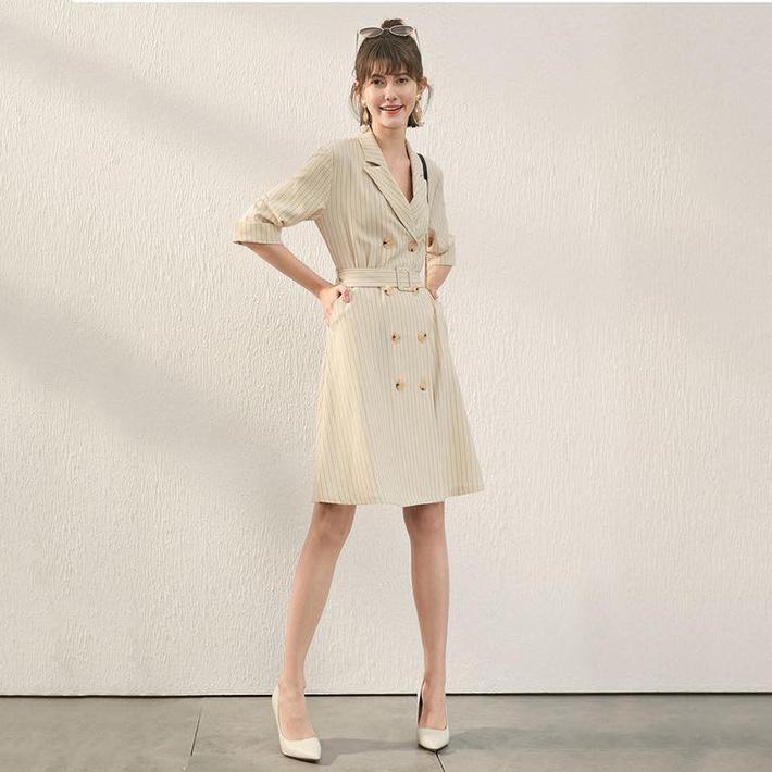 4 dáng váy liền phải luôn ở trong tủ đồ vào mùa thu mới không lo lỗi mốt-8