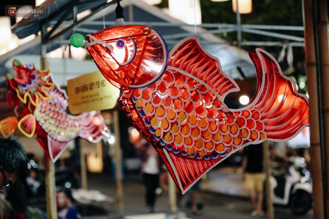 Tiểu thương chợ Trung thu truyền thống Hà Nội đồng loạt treo biển Không chụp ảnh, hãy là người có văn hoá!-3
