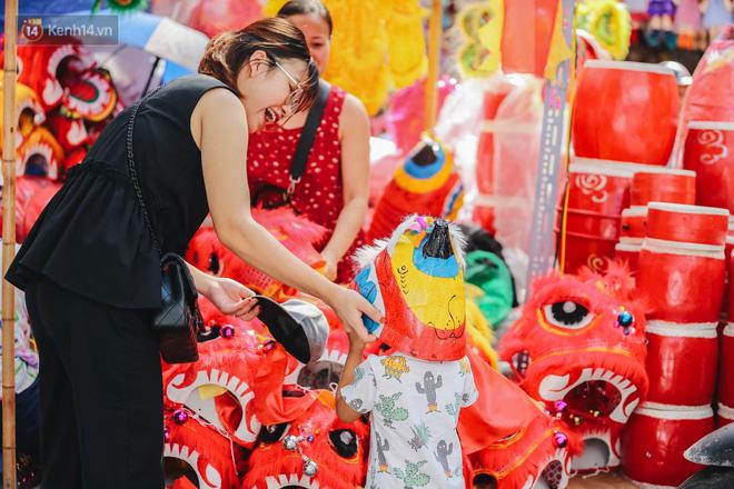 Tiểu thương chợ Trung thu truyền thống Hà Nội đồng loạt treo biển Không chụp ảnh, hãy là người có văn hoá!-9