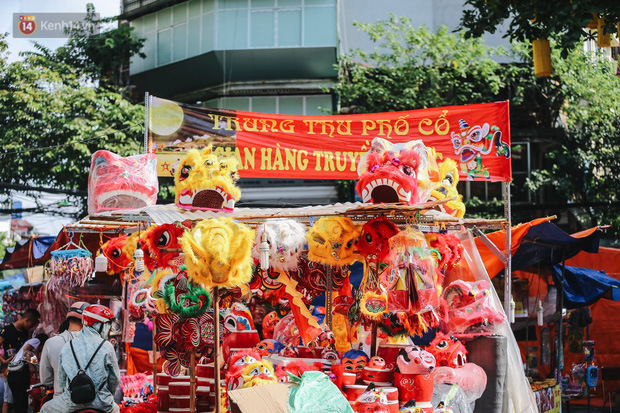 Tiểu thương chợ Trung thu truyền thống Hà Nội đồng loạt treo biển Không chụp ảnh, hãy là người có văn hoá!-1