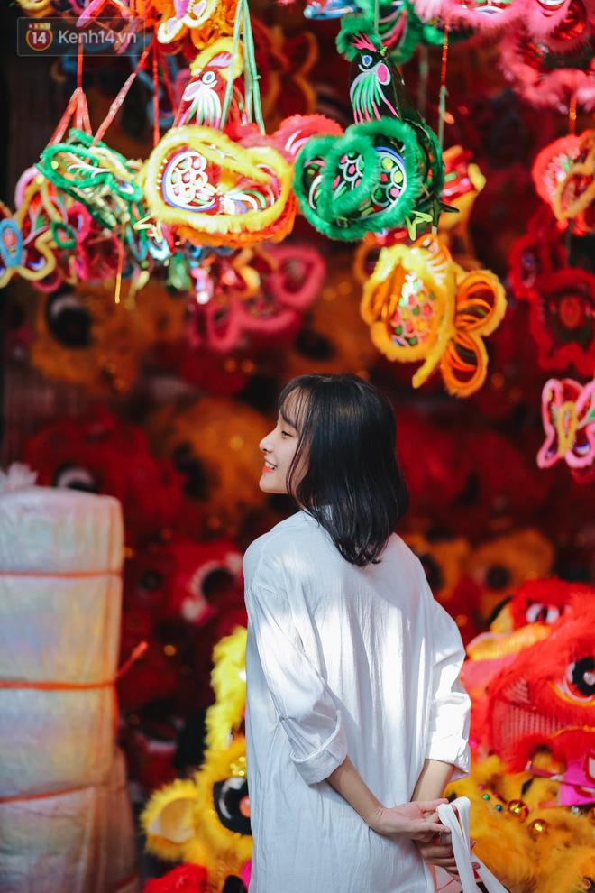 Tiểu thương chợ Trung thu truyền thống Hà Nội đồng loạt treo biển Không chụp ảnh, hãy là người có văn hoá!-8