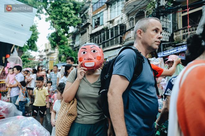 Tiểu thương chợ Trung thu truyền thống Hà Nội đồng loạt treo biển Không chụp ảnh, hãy là người có văn hoá!-7
