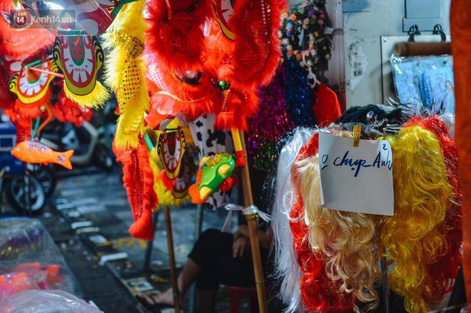 Tiểu thương chợ Trung thu truyền thống Hà Nội đồng loạt treo biển Không chụp ảnh, hãy là người có văn hoá!-13