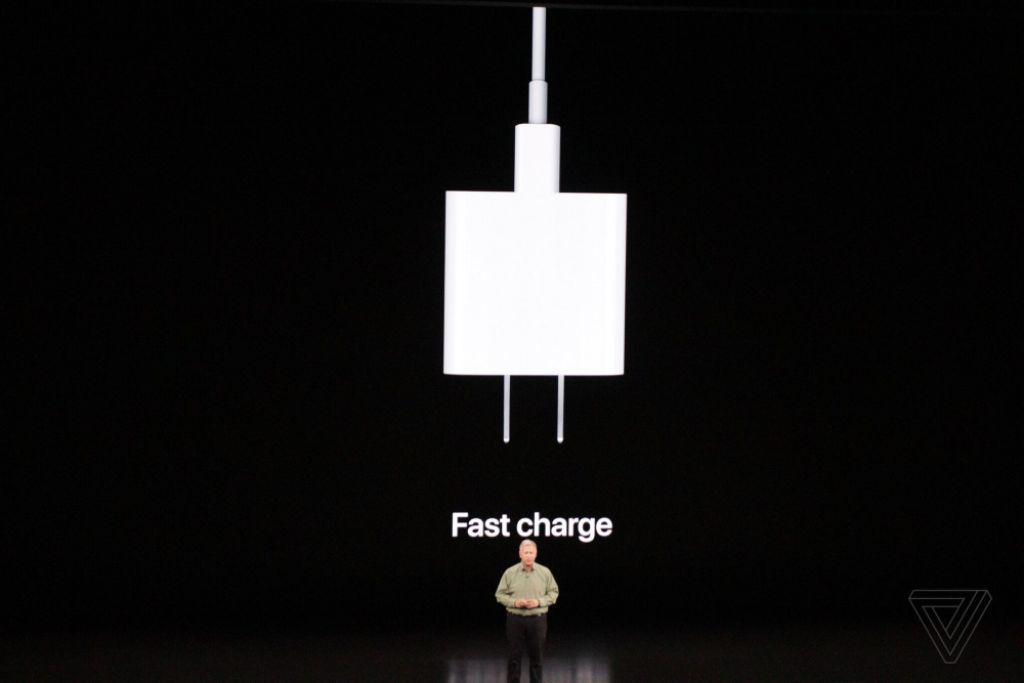 Apple ra mắt iPhone 11, giá từ 699 USD đến 1.099 USD-23