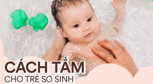Bệnh viện Nhi uy tín hướng dẫn các bước tắm cho trẻ sơ sinh, ai lần đầu làm mẹ cũng nên xem