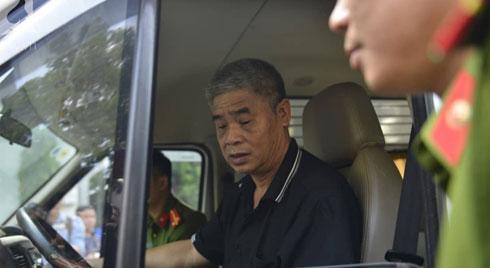 NÓNG: Đang thực nghiệm điều tra vụ bé trai 6 tuổi trường Gateway tử vong, tài xế Phiến đã có mặt ở hiện trường