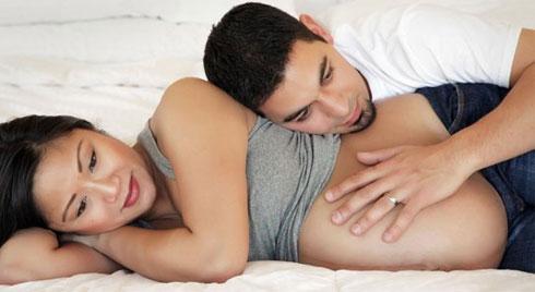 """7 trường hợp mẹ bầu thèm đến mấy cũng phải tuyệt đối nhịn """"yêu"""" kẻo hại thai nhi"""