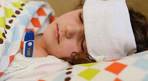 Triệu chứng sốt siêu vi ở trẻ, mẹ không được bỏ qua