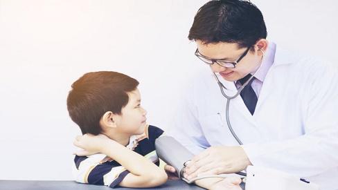 Nguyên nhân, dấu hiệu và cách điều trị bệnh cao huyết áp ở trẻ em