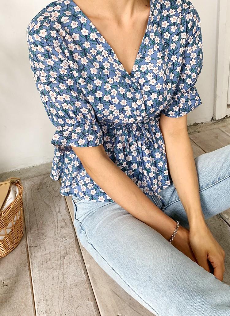 """Đã có 3 kiểu áo blouse tạo hiệu ứng dáng mi nhon"""" này, bạn béo một tí cũng không lo-12"""