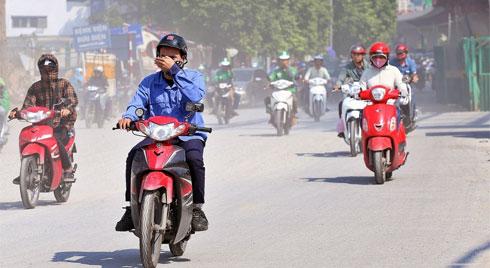 Ô nhiễm không khí ở Hà Nội liên tục ở ngưỡng có hại, chuyên gia khuyên những ai không nên ra đường