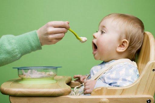 Những sai lầm của cha mẹ khi chăm sóc trẻ sốt mọc răng-2