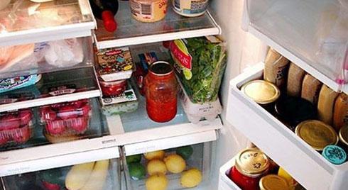 Những thói quen tai hại biến tủ lạnh thành