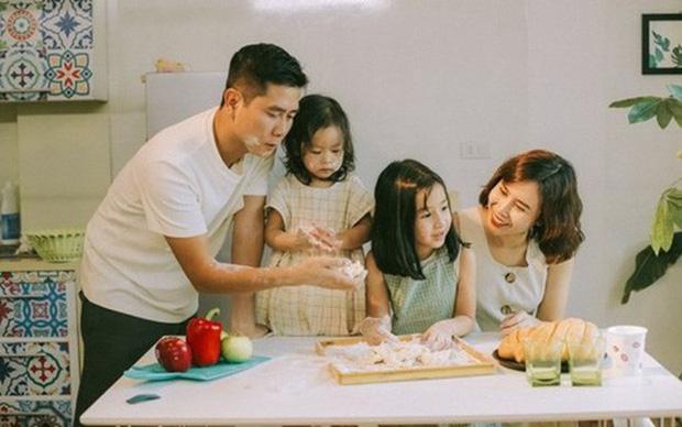 Trước khi đường ai nấy đi, vợ chồng Lưu Hương Giang - Hồ Hoài Anh từng là một cặp bài trùng trong cách dạy con-1