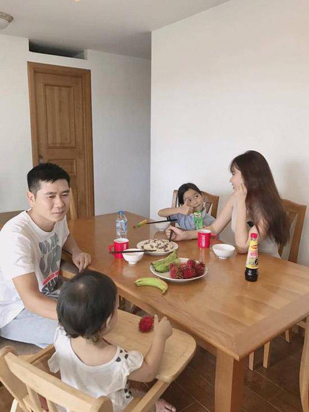Trước khi đường ai nấy đi, vợ chồng Lưu Hương Giang - Hồ Hoài Anh từng là một cặp bài trùng trong cách dạy con-2