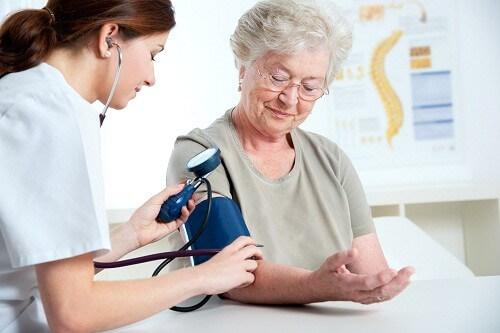 Chỉ số huyết áp người già bao nhiêu là ổn định?-1