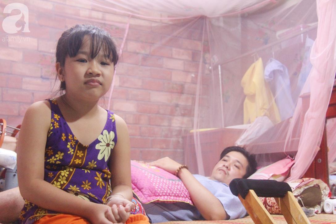 Con gái 7 tuổi bị gãy chân, chồng nằm liệt giường, người vợ bệnh tật khẩn cầu sự giúp đỡ sau vụ tai nạn kinh hoàng-4