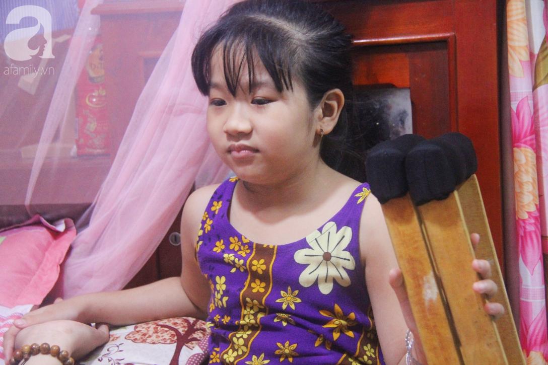 Con gái 7 tuổi bị gãy chân, chồng nằm liệt giường, người vợ bệnh tật khẩn cầu sự giúp đỡ sau vụ tai nạn kinh hoàng-5