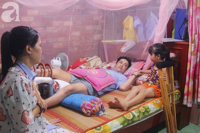 Con gái 7 tuổi bị gãy chân, chồng nằm liệt giường, người vợ bệnh tật khẩn cầu sự giúp đỡ sau vụ tai nạn kinh hoàng-17