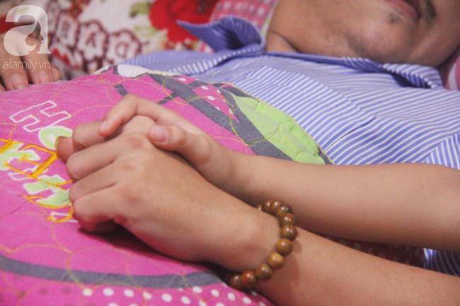 Con gái 7 tuổi bị gãy chân, chồng nằm liệt giường, người vợ bệnh tật khẩn cầu sự giúp đỡ sau vụ tai nạn kinh hoàng-8
