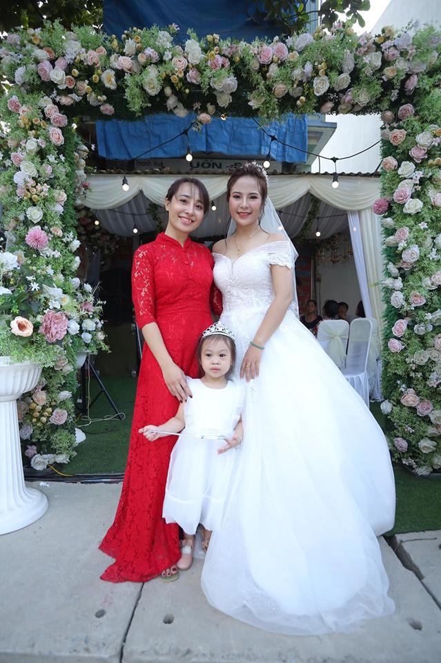 Chuyện tình cặp đôi chị - em ở Vĩnh Phúc và hành trình khẳng định niềm tin của cô vợ chờ cả nửa thập kỷ mới được mặc váy cưới-4