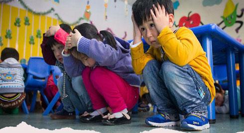 """Ở nơi thiên tai xảy ra """"như cơm bữa"""", người Nhật dạy trẻ em những kỹ năng gì để bảo toàn tính mạng"""