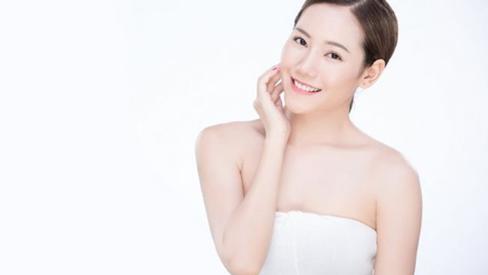 Học lỏm cách dưỡng da trắng hồng chuẩn không cần chỉnh của gái Hàn