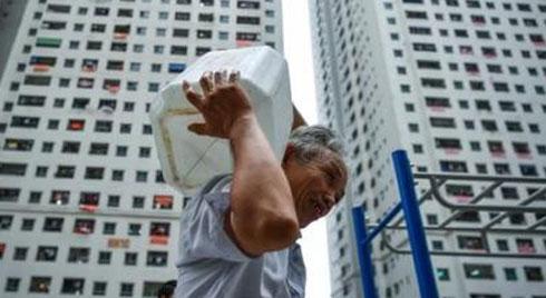 """Điểm tên những khu chung cư """"nhà giàu"""" khốn khổ vì thiếu nước sinh hoạt"""